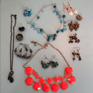 Jewelry - Lot of colorful jewelry!